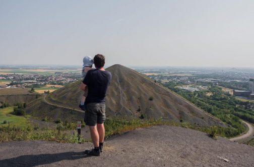 Cédric et son fils sur le terril