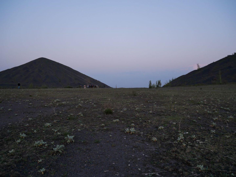 Plateau des terrils à la tombée de la nuit ©S. Roynette - Lens-Liévin Tourisme
